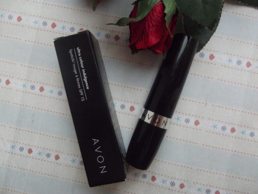 Avon Lipstick Ultra Colour Indulgence Губная помада