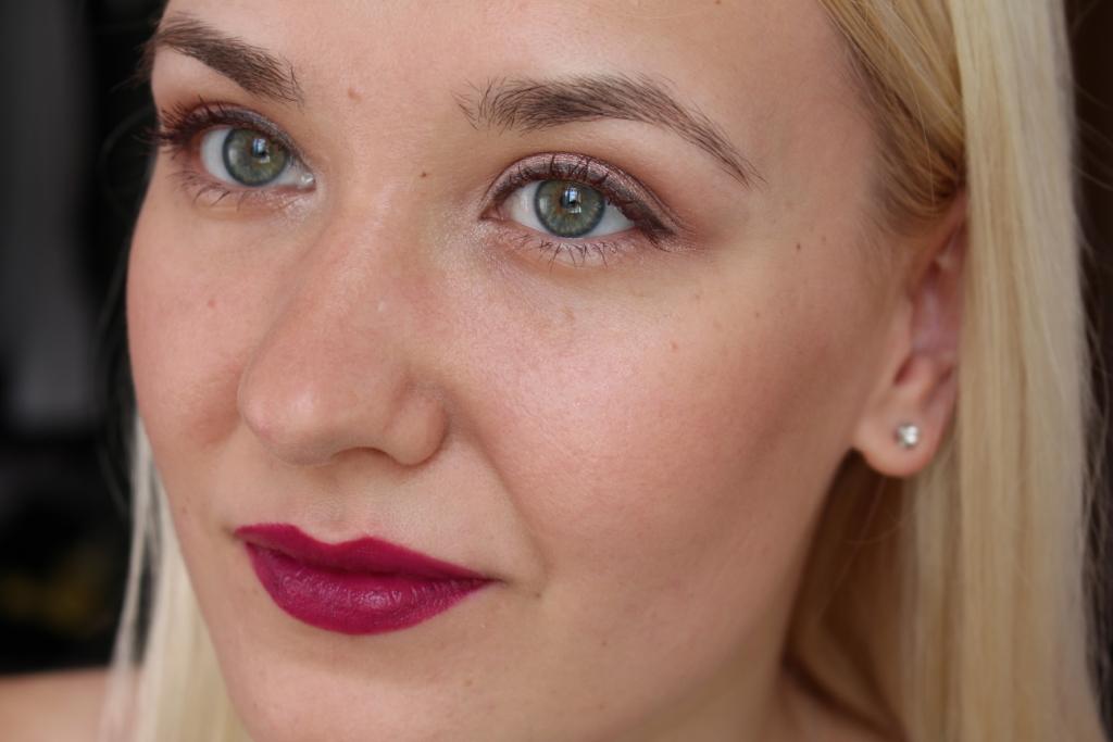 Essence Lipstick Velvet Matt_17