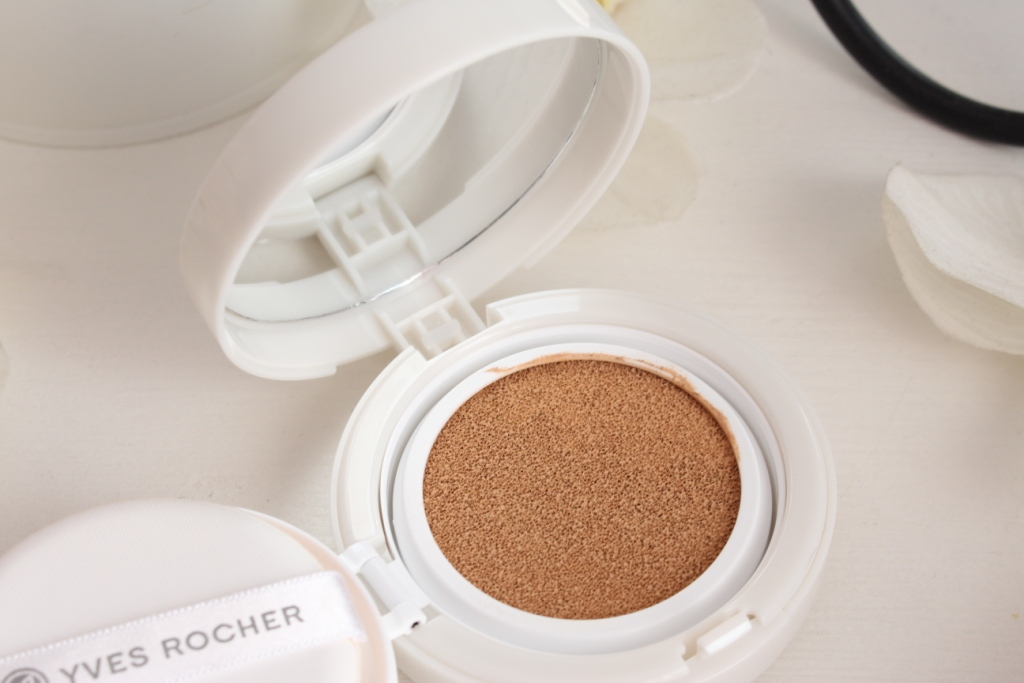 yves-rocher-pure-light-light-foundation-cushion_12