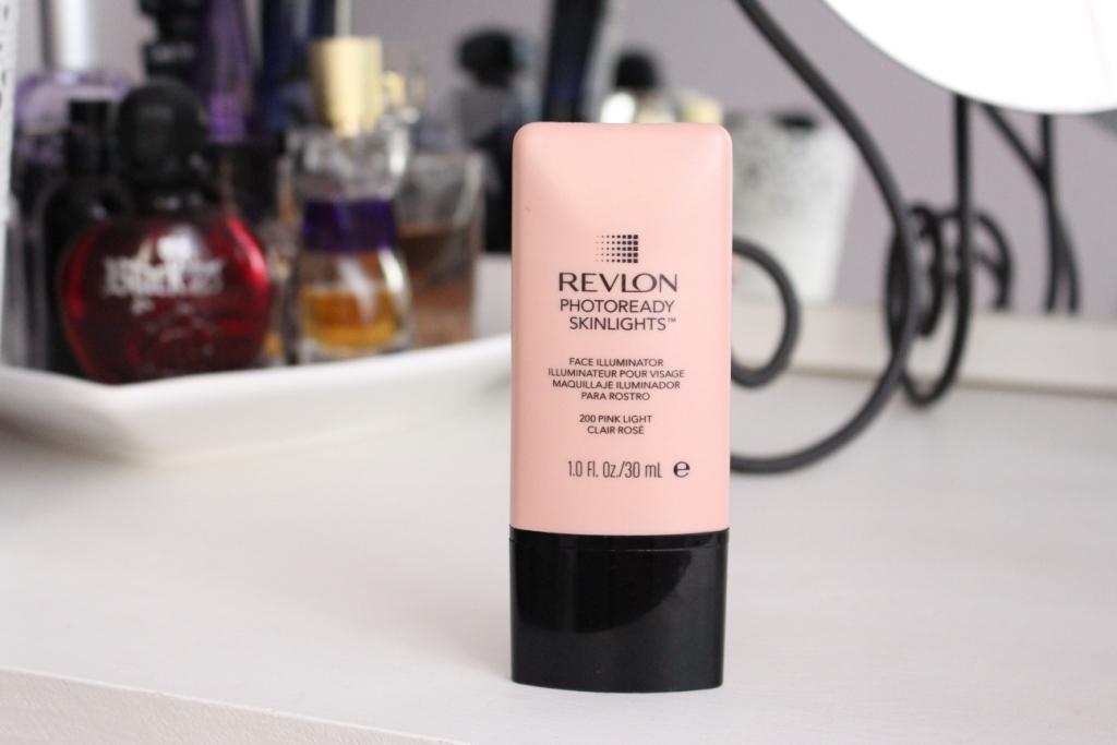 Revlon Photoready Skinlights Face Illuminator «200 Pink Light» Хайлайтер для лица