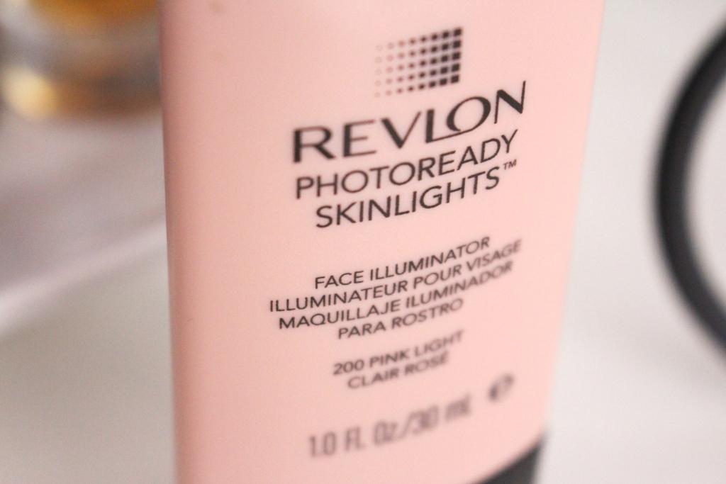 revlon-photoready-skinlights-face-illuminator-200-pink-light_2