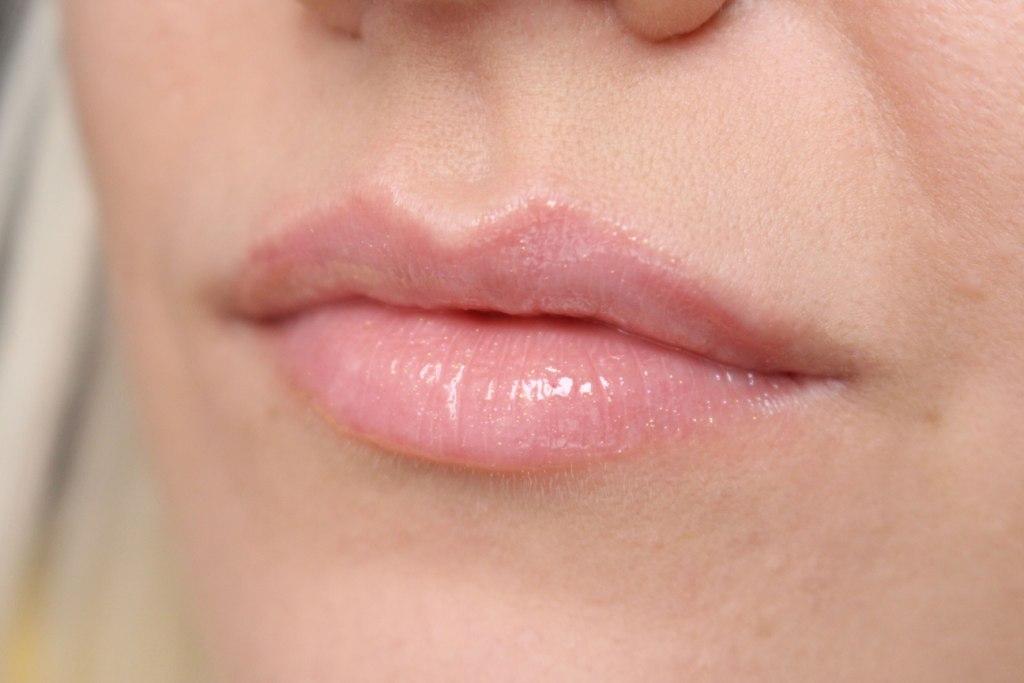 avon-shine-bust-lip-gloss_6