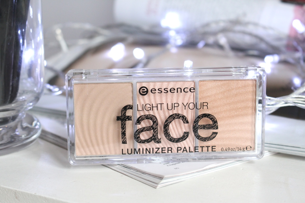 Essence Light Up Your Face Luminizer Palette Палетка хайлайтеров