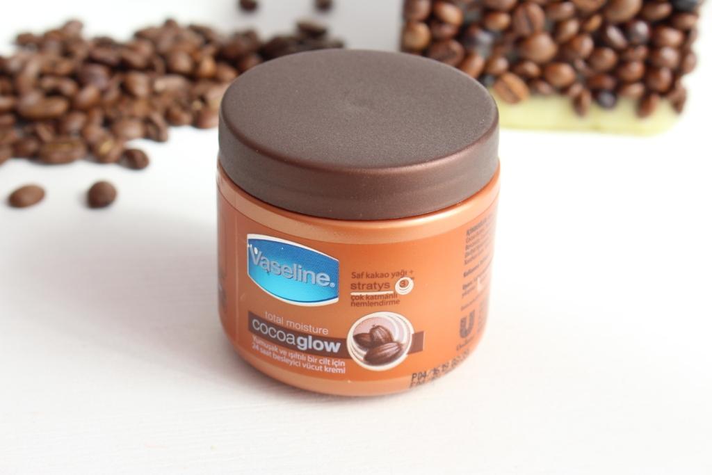 Vaseline Total Moisture Cocoa Glow Лосьон для тела