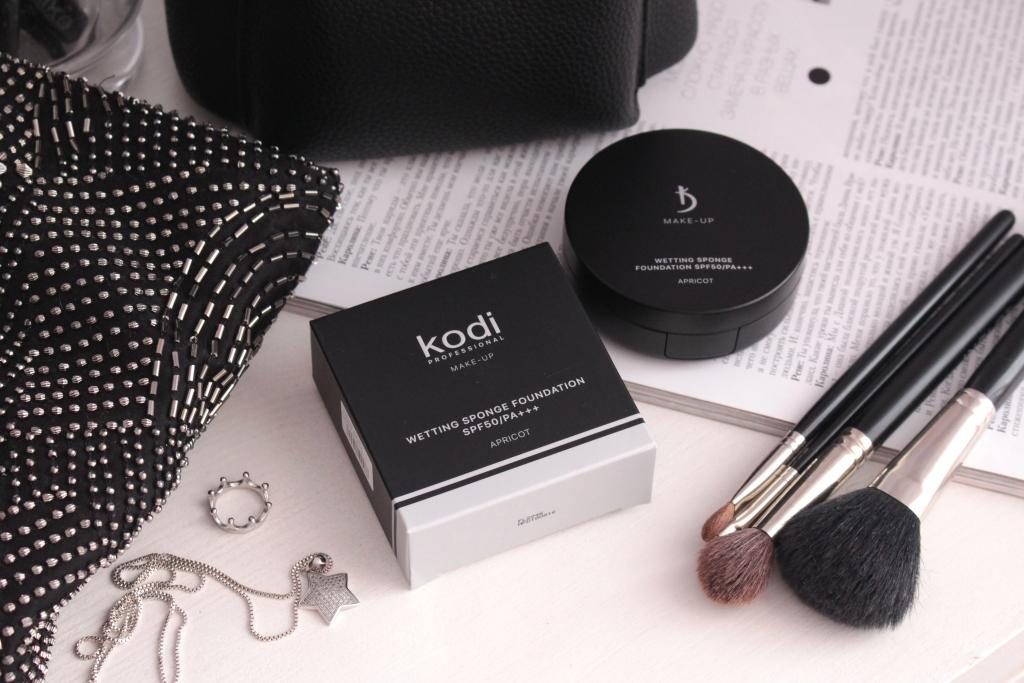 Kodi Professional Wetting Sponge Foundation SPF 50 Тональная основа-флюид со спонжем