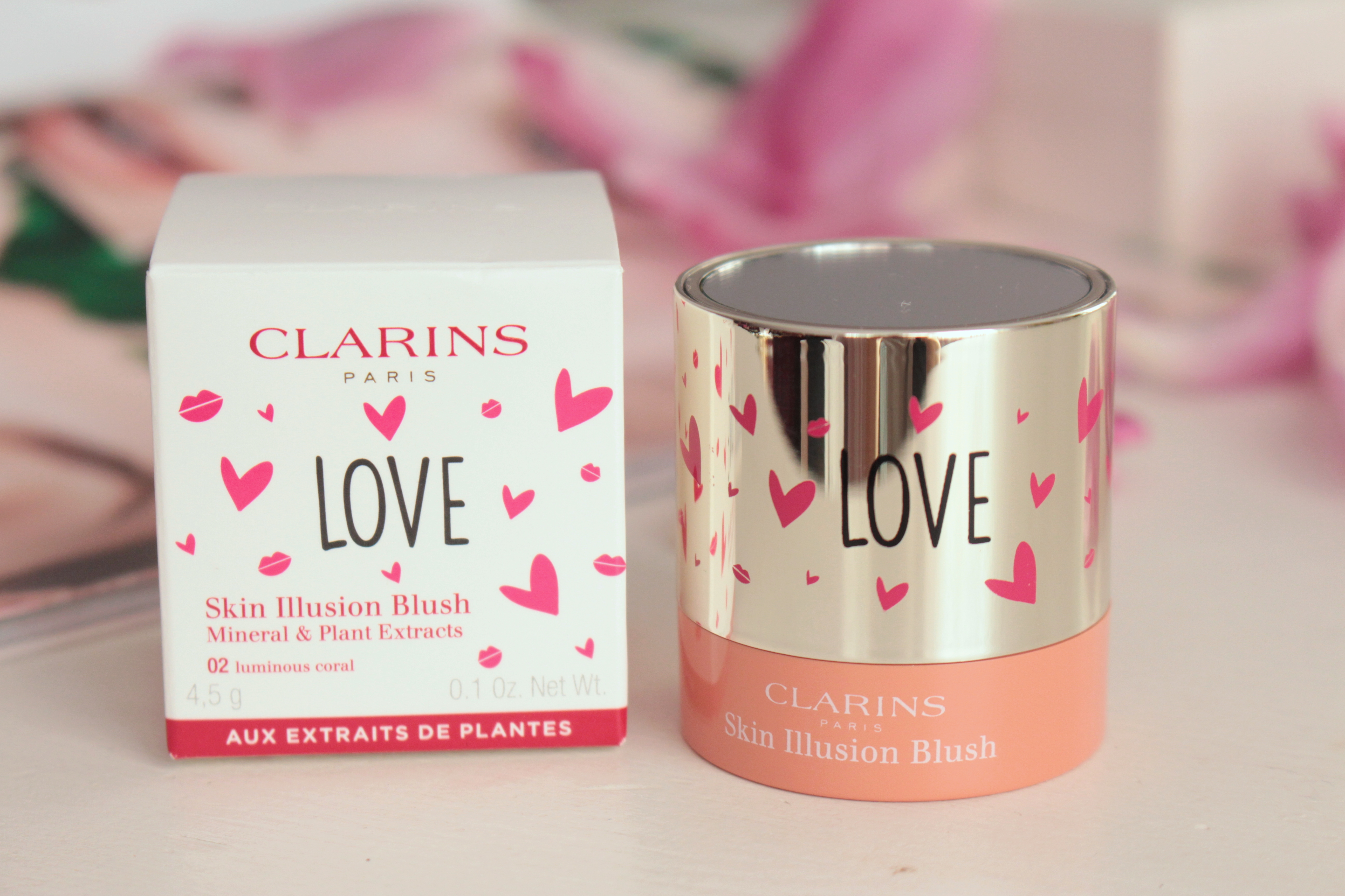 Clarins Tender Moments Skin Illusion Blush «02 Luminous Coral» Компактные румяна
