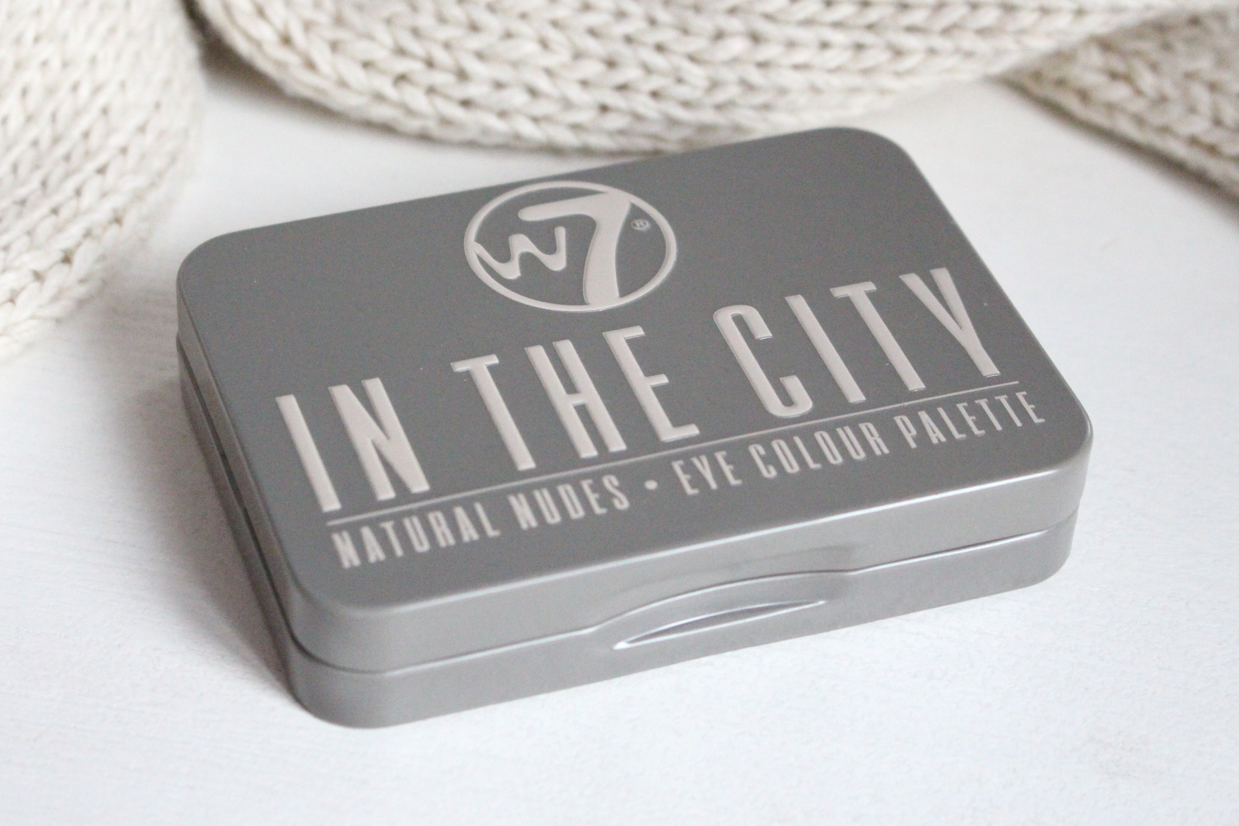 "W7 ""In The City"" Eye Colour Palette Палетка теней"