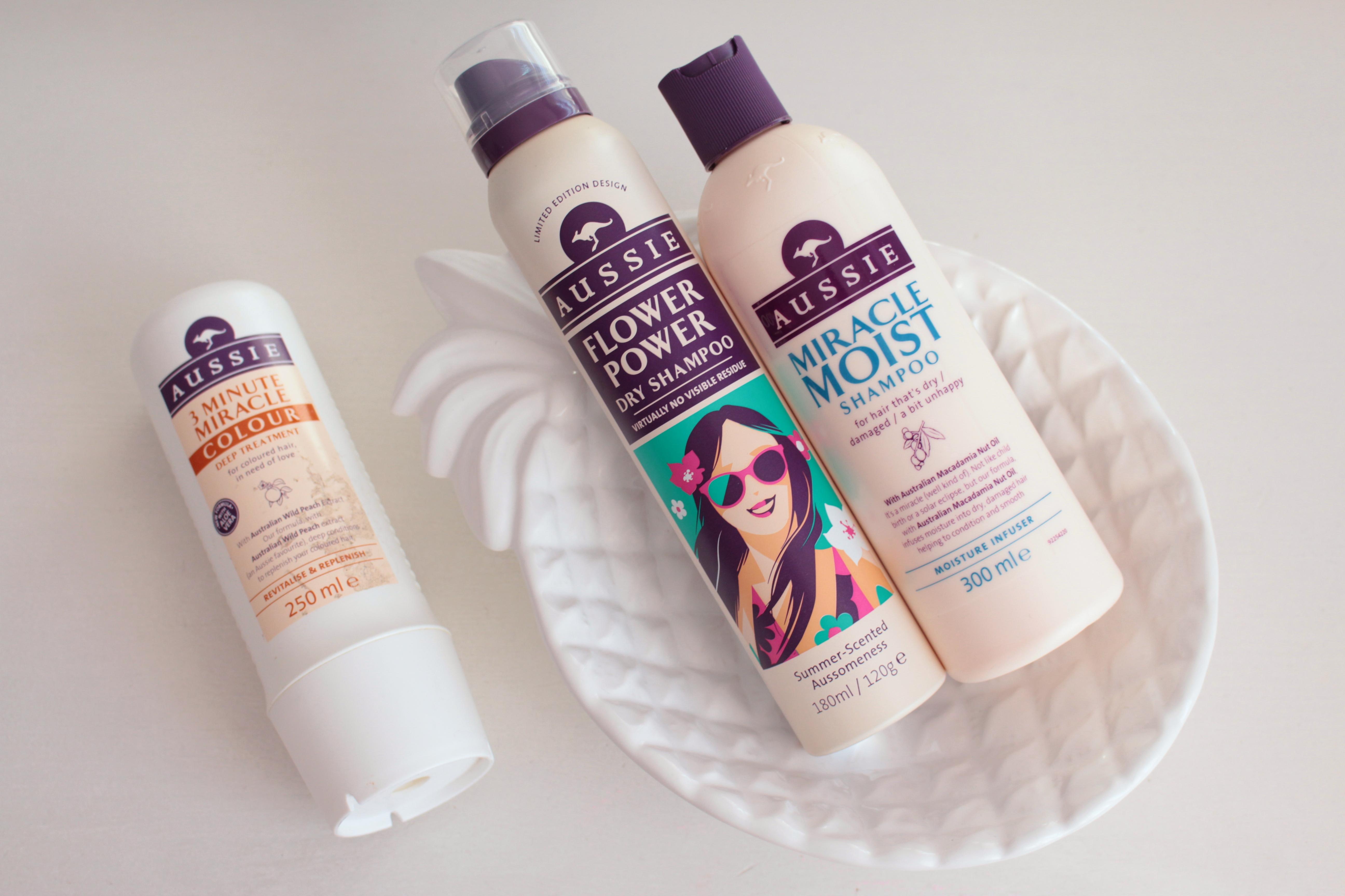 Уход за волосами с косметикой Aussie