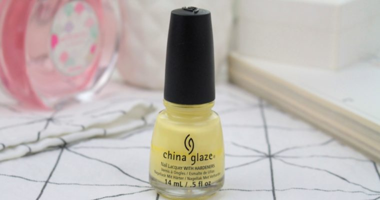 China Glaze Nail Lacquer With Hardeners «Lemon Fizz» Лак для ногтей