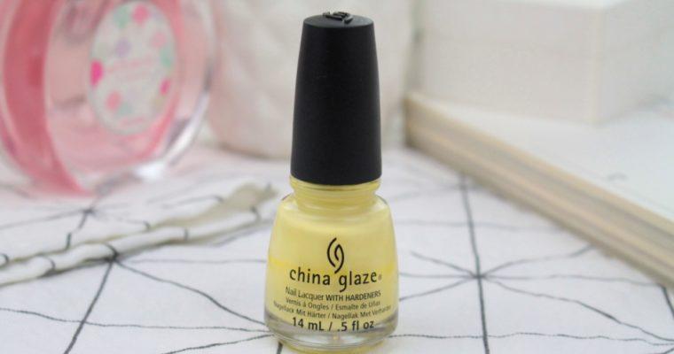"China Glaze Nail Lacquer With Hardeners ""Lemon Fizz"" Лак для ногтей"