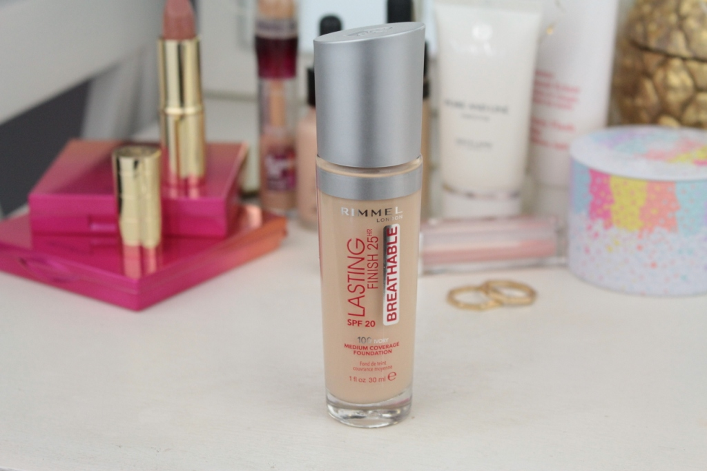 "Rimmel Lasting Finish 25HR Breathable SPF20 Medium Coverage Foundation ""100 Ivory"" Тональная основа"