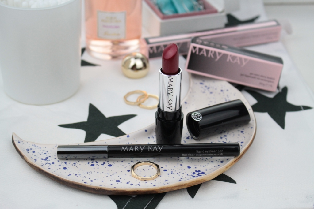 Mary Kay Liquid Eyeliner Pen Подводка и Gel Semi-Matte Lipstick Помада