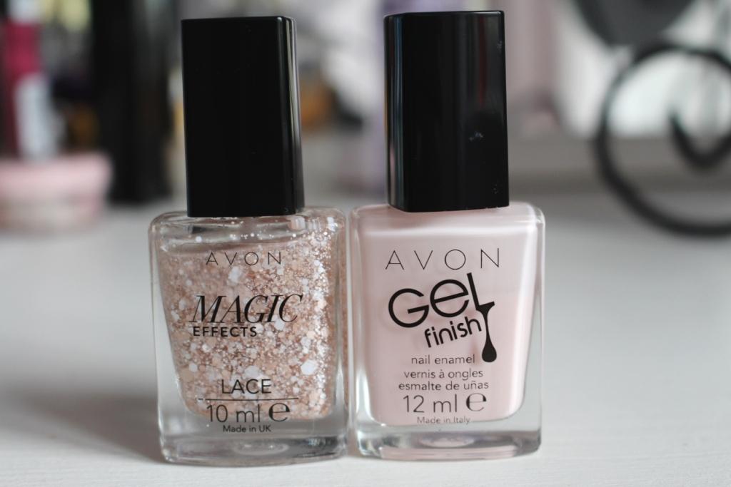 "Любимые лаки для ногтей Avon: Magic Effect Lace ""Lovely Lace"" & Gel Finish Nail Enamel ""Sheer Love"""
