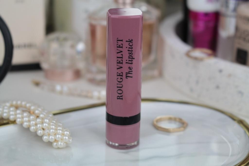 "Bourjois Rouge Velvet The Lipstick Помада ""18 Mauve-Martre"""