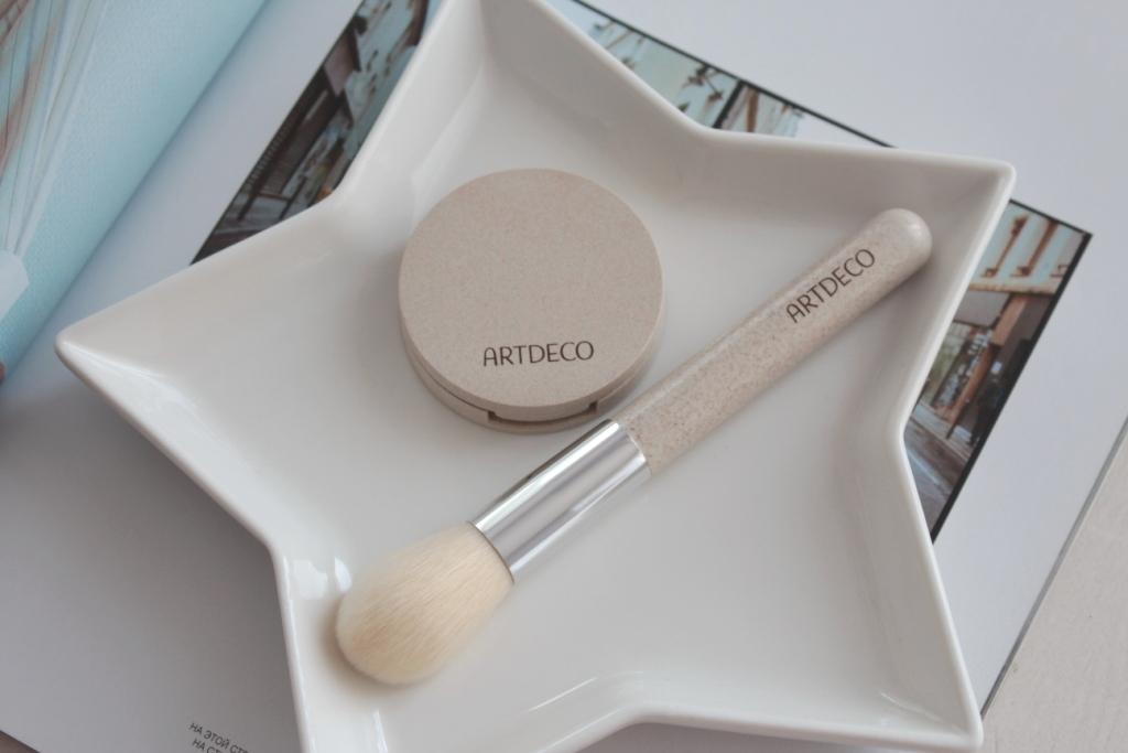 "Artdeco Green Couture – Silky Powder Blush ""40"" & Multi Powder Brush. Румяна и кисть к ним"
